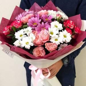 Сборный букет хризантемы и розы пионовидные R1118